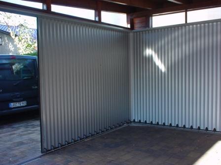 garagentore gibt es in vielen bauweisen. Black Bedroom Furniture Sets. Home Design Ideas